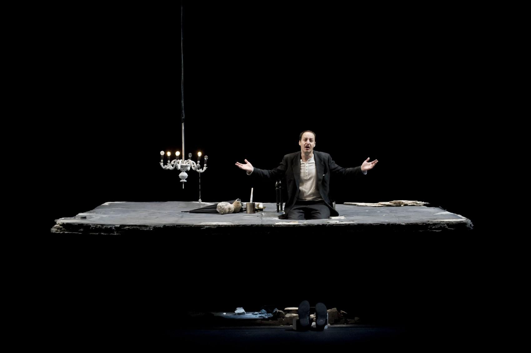 Natale in casa Cupiello. Fausto Russo Alesi. Piccolo Teatro di Milano. Foto di Masiar Pasquali