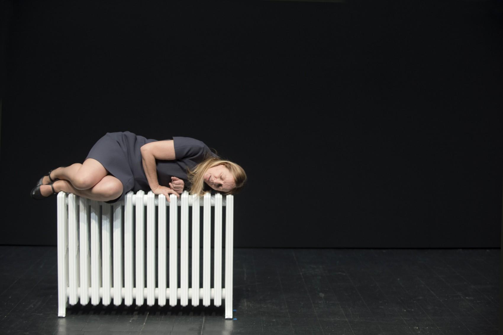 """Il cielo non è un fondale – Deflorian/TagliariniThéâtre Vidy Lausanne""""Il Cielo non e un Fondale"""" Texte et mese en scène de Daria Deflorian e Antonio Tagliarini"""