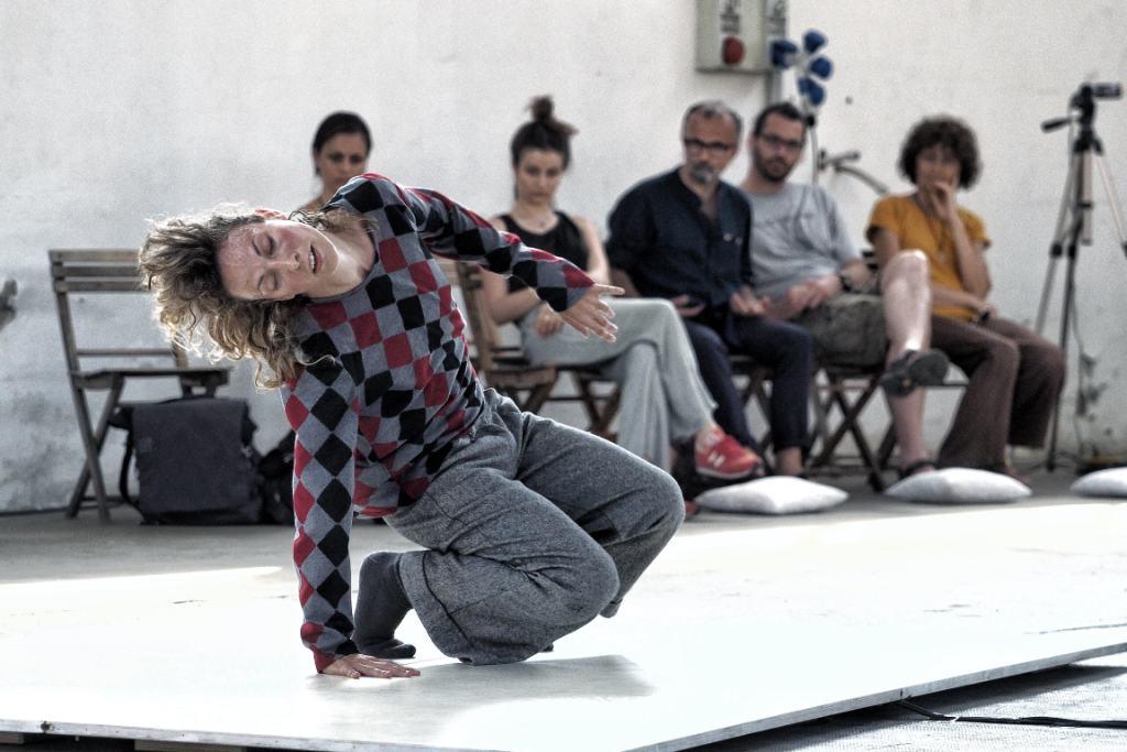 Claudia Catarzi 40.000 cmq. Foto di scena ©Mario Carlini