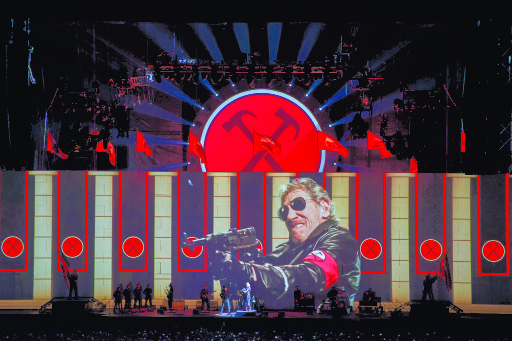 XL-Video-Roger-Waters-The-Wall-Live-315-photo-credit-Wembley-Stadium