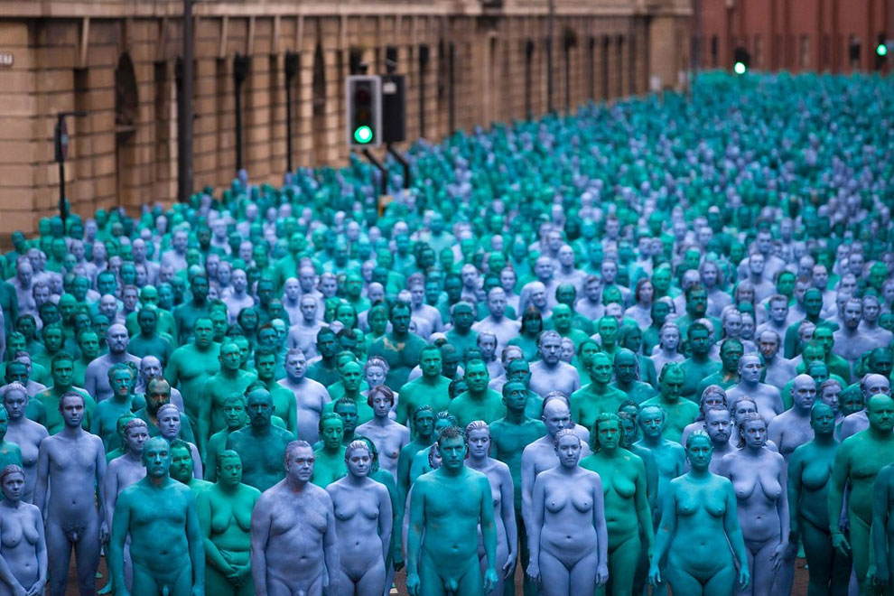 Spencer Unick Sea of Hull (2016) ©Spencer Tunick