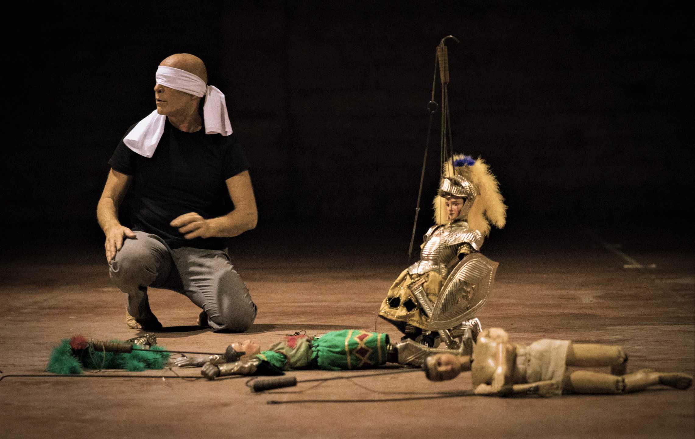 Virgilio Sieni & Mimmo Cuticchio Atlante_Vangelo#2. Foto di scena ©