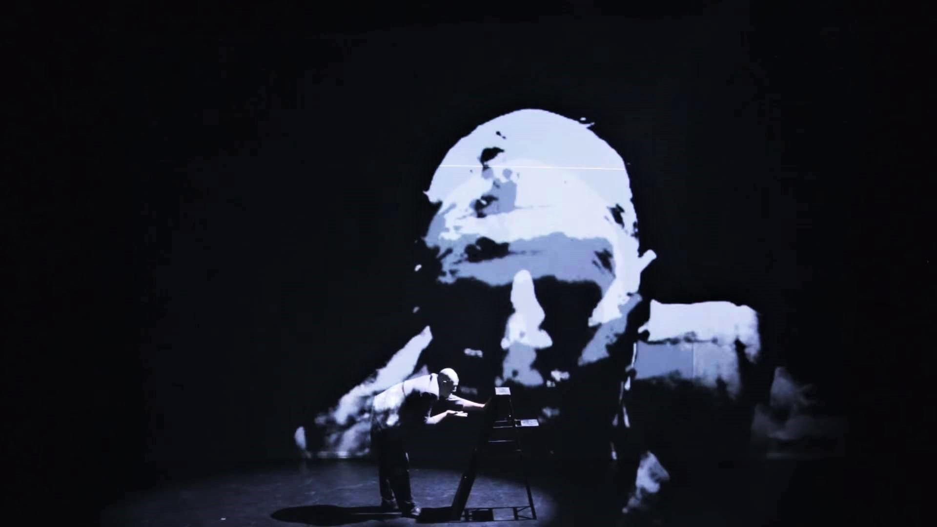 Turi Zinna Tifeo. Fotogramma video ufficiale