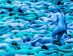 Spencer Tunick - Sea of Hull (2016)