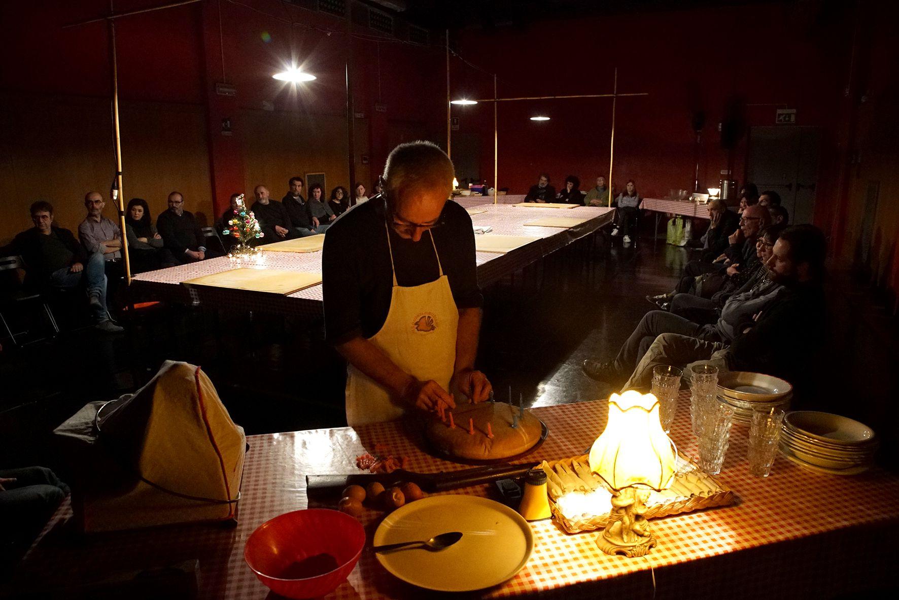 Teatro delle Ariette Attorno a un tavolo. Foto ©Stefano Vaja