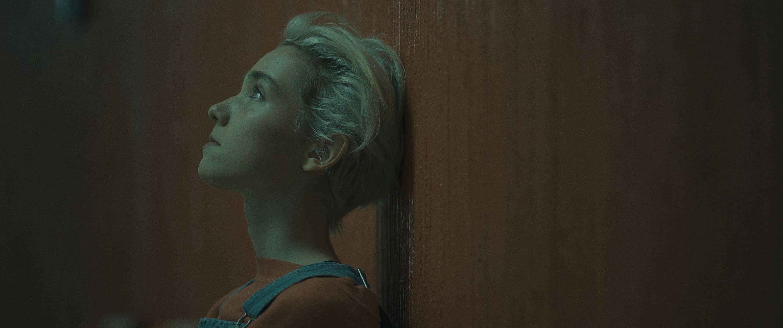 come-true-recensione-film-anthony-scott-burns-julia-sarah-stone-03